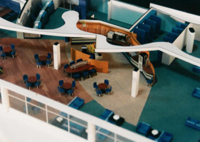 KLM lounges 1:50